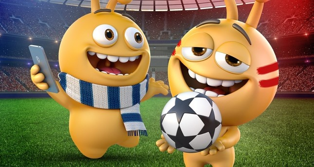 Picture shows Turkcell's mascots in Liverpool and Chelsea gear as part of campaign for the Super Cup final on August 14. (IHA Photo)