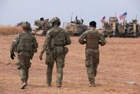قوات أمريكية في تل تمر تعمل على سحب مقاتلي تنظيم ب ي د الإرهابي (AP)