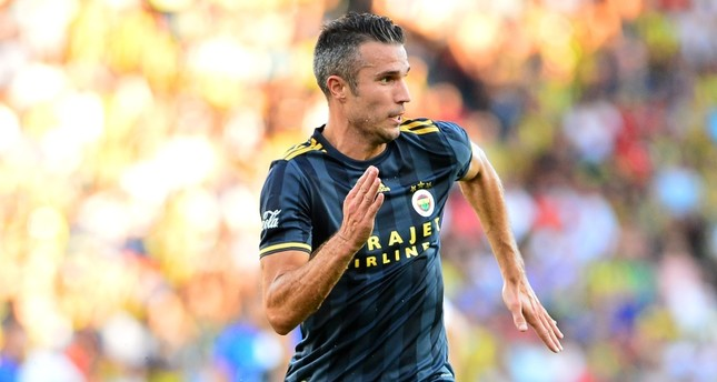 Fenerbahçe's Van Persie set for Man Utd and Feyenoord reunion in Europa League