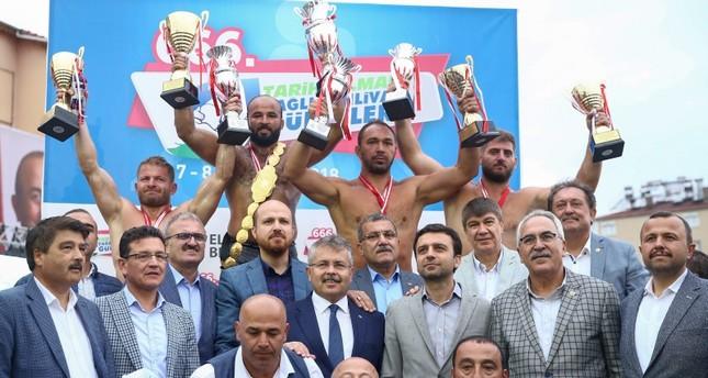 التركي أوقولو يفوز للمرة السادسة ببطولة ألمهلي لمصارعة الزيت الشعبية