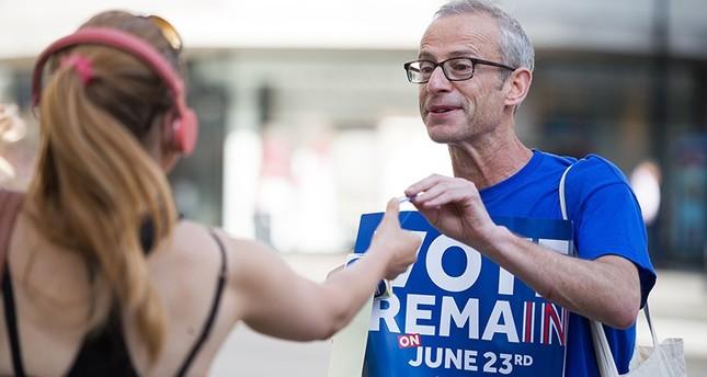 بريطانيا تحبس أنفاسها قبل يوم من استفتاء حاسم على العضوية في الاتحاد الأوروبي