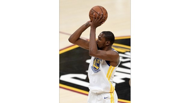 Kevin Durant's last basket was eerily like a 3-pointer he made late in game three last year against the Cavs that clinched a Golden State victory.