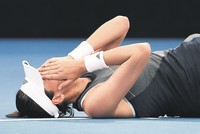 Murray withdraws, Muguruza retires with cramps in Brisbane
