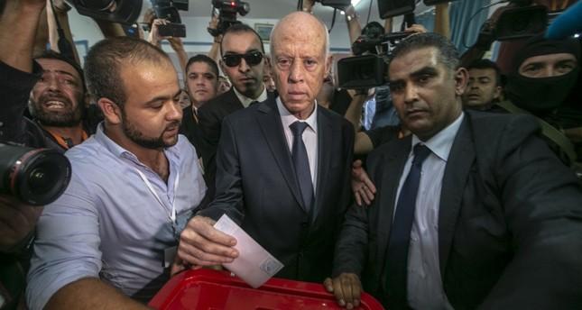 فوز ساحق لقيس سعيد في رئاسيات تونس بحسب سبر لآراء الناخبين