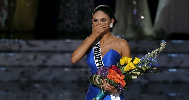 Miss Philippines Pia Alonzo Wurtzbach reacts as she is called back to the stage to be crowned Miss Universe during the 2015 Miss Universe Pageant in Las Vegas, Nevada December 20, 2015. (Reuters Photo)