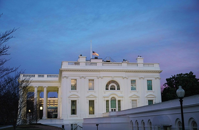 The White House is seen as the sun sets in Washington, DC on Feb. 8, 2019. (AFP Photo)