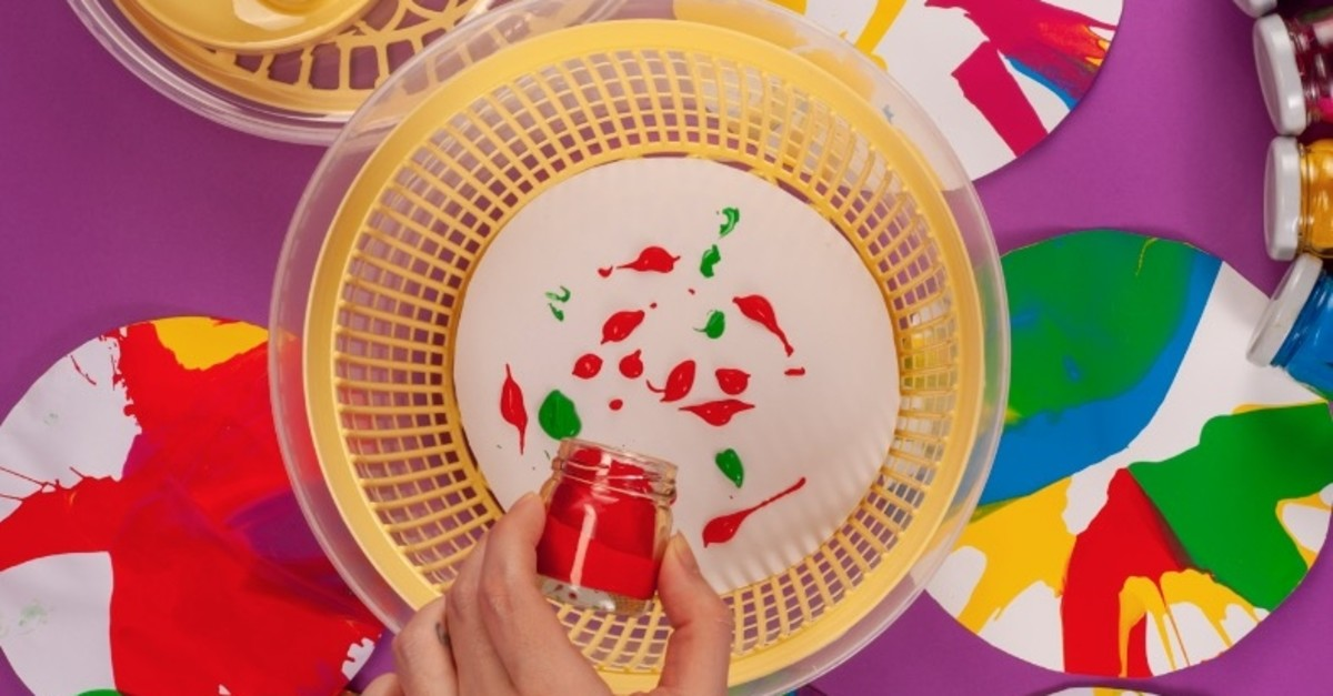 In the u201cSpin u2018nu2019 Paint, Blow up Bubbles!u201d workshop, children will create experimental paintings via salad spinners.