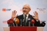 Defeat-weary CHP leader says rival has no success story
