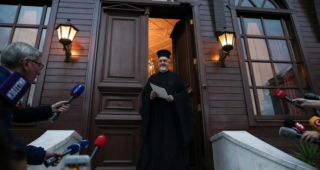 رئيس أوكرانيا يرحب باعتراف بطريركية إسطنبول بكنيسة في بلاده وانفصالها عن موسكو
