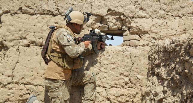 جندي أفغاني في منطقة قندوز التي شهدت هجومًا واسعًا لطالبان رويترز