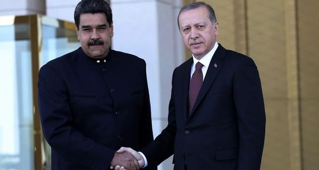 President Recep Tayyip Erdoğan (R) welcomes Venezuelan President Nicolas Maduro at the Presidential Complex in Ankara, on October 6, 2017. (AFP Photo)