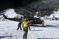 2 dead after avalanche in Italian ski resort