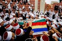 تشييع الشيخ أبو زين الدين حسن حلبي الذي مات بكورونا الفرنسية