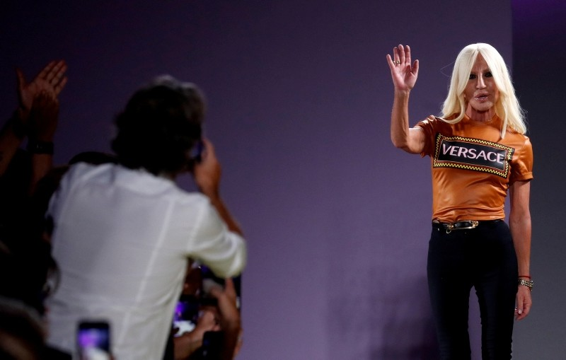 Fashion designer Donatella Versace acknowledges the audience at the Versace show during Milan Fashion Week Spring 2019 in Milan, Italy, September 21, 2018. (Reuters Photo)