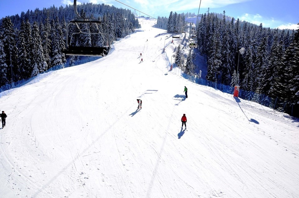 Although the season has not officially started at Mount Ilgaz Ski Center, the ski enthusiasts have already begun enjoying the slopes.