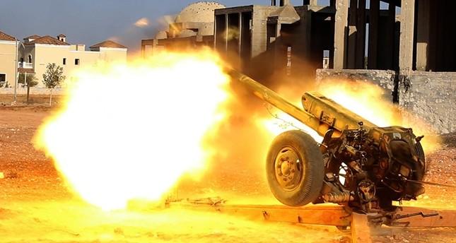 حلب.. المعارضة تسيطر على مواقع استراتيجية وتقترب من حصار مناطق النظام