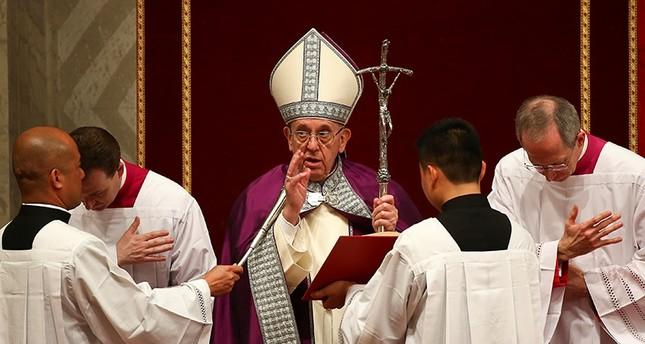 بابا الفاتيكان سيزور مصر ويلتقي شيخ الأزهر