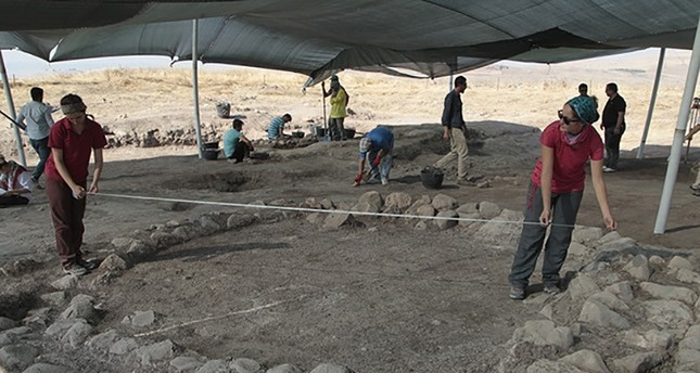Archeologists uncovered traces of the roots of Sumer civilization in Turkey's Kahramanmaraş province during excavations in August 2017. (AA Photo)