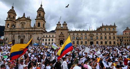 Colombians march against terrorism after police academy attack