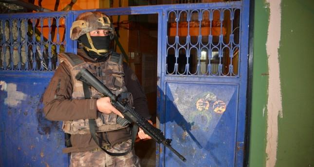2 red-notice Daesh terrorists nabbed in Turkey's Bursa