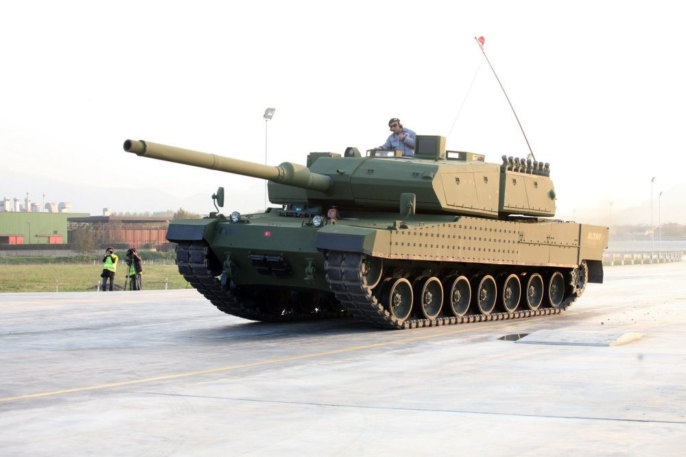 National Defense Minister Canikli said the Altay tank will be completely domestic with mass production likely to begin in late 2019 or early 2020.