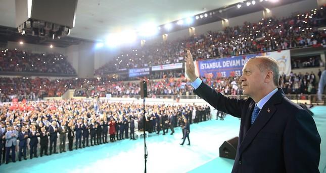 أردوغان: خفضنا سن الترشح والتصويت إلى 18 عاماً لثقتنا بالشباب