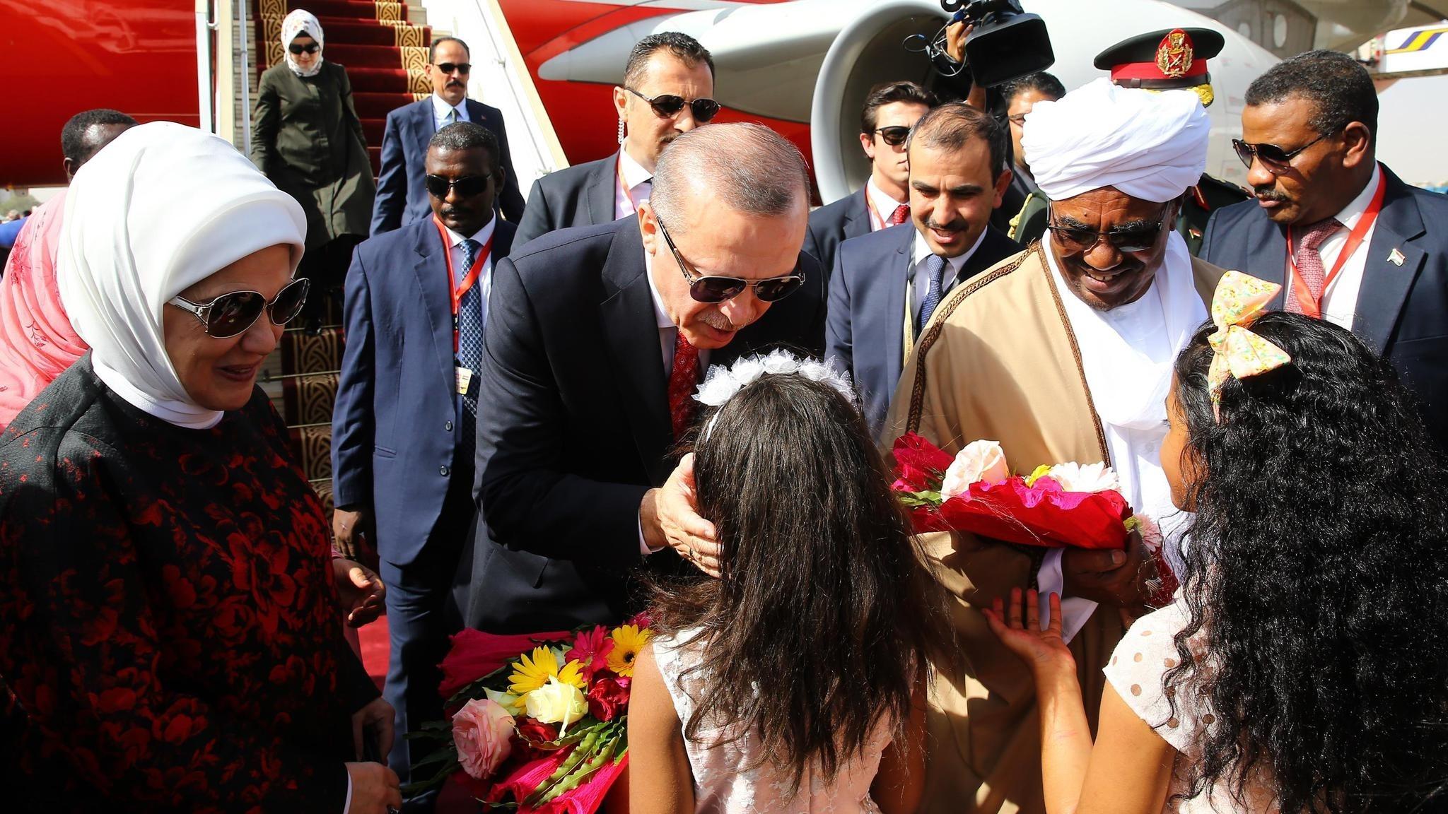 President Recep Tayyip Erdou011fan with Sudanese President Omar al-Bashir (Right) in Khartoum, Sudan, in December 2017.