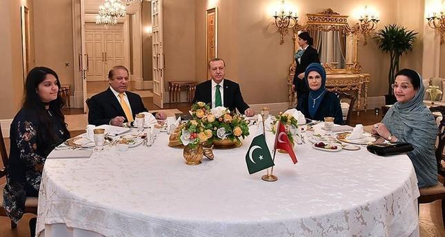 أردوغان يستقبل رئيس الوزراء الباكستاني في أنقرة