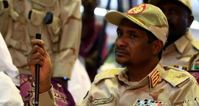 حميدتي يحذر من وجود مخربين وأصحاب أجندات في التظاهرات السودانية