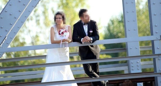 Court orders sloppy wedding photographer to pay clients