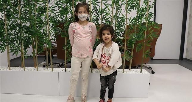 أردوغان يوجه بعلاج طفلتين سوريتين مصابتين بالصمم الخلقي