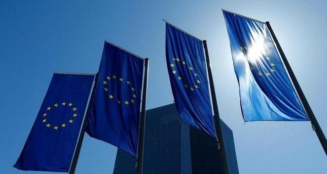 بعد موافقة الاتحاد.. محادثات تجارية مرتقبة بين أوروبا والولايات المتحدة
