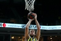 Fenerbahçe wants to keep on winning as it hosts Barcelona