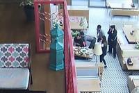 Turkish waiter saves choking tourist's life at Istanbul restaurant