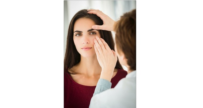 If you have an itching or stinging feeling in your eyes, it can be symptoms of dry eye syndrome.