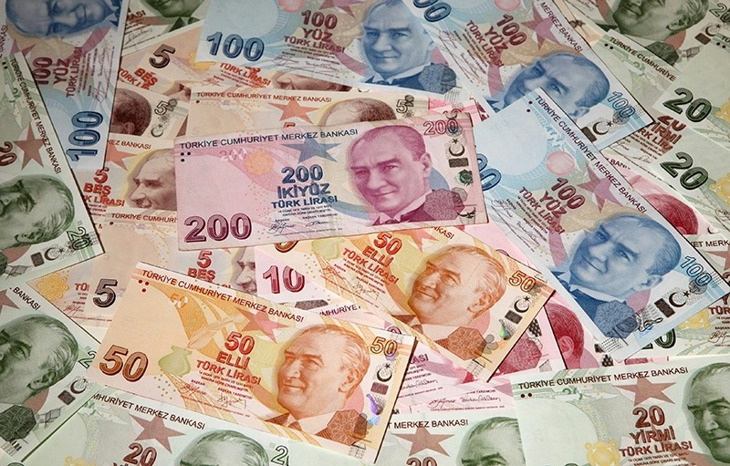 Turkish lira banknotes are seen in this picture illustration taken in Istanbul, Turkey, Oct. 18, 2011. (Reuters Photo)