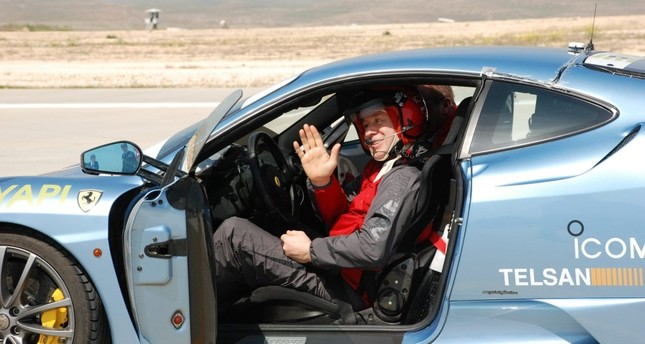 Metin Şentürk broke the record for the fastest blind driver in a Ferrari at an empty airport in 2010.