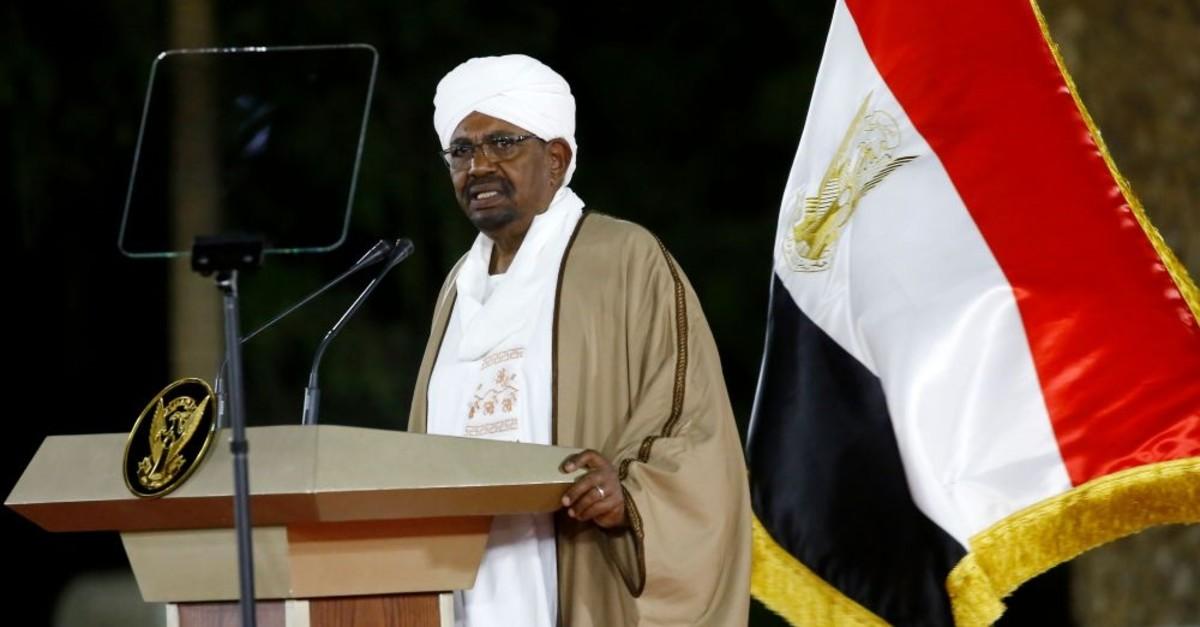 Sudanese President Omar al-Bashir delivers a speech to the nation, Khartoum, Feb. 22, 2019.