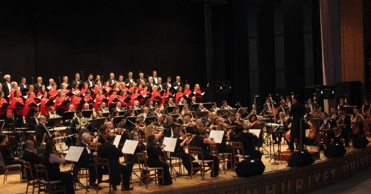 The Presidential Symphony Orchestra's performance will be broadcast live on TV.