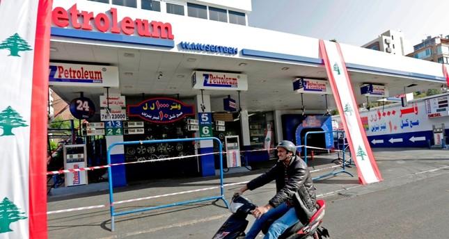 لبنان على أبواب أزمة وقود خانقة.. إغلاق نحو 60% من محطات الوقود