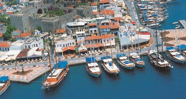 مرمريس التركية تفتتح شاطئين خاصين بذوي الاحتياجات الخاصة