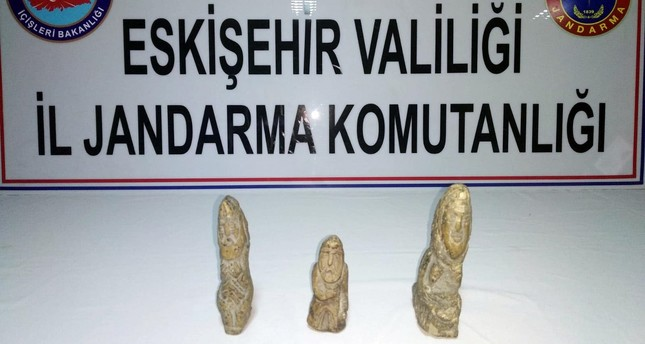 Smugglers busted in mass operation in Eskişehir