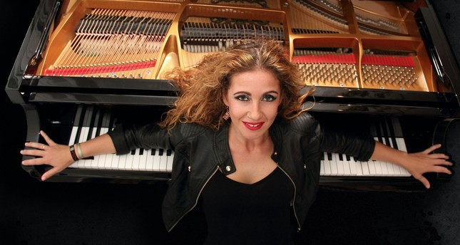 The 19th International Antalya Piano Festival will start with Laura De Los Angeles's performance.
