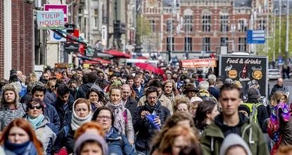pDer niederländische Menschenrechtsrat ist am Montag zu den Entschluss gekommen, dass das Kopftuchverbot im Fall der Polizeibeamtin Sarah Izat eine Diskriminierung darstelle. Der Rat wies darauf...