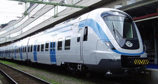 Stockholm Central Station – A SL X60 commuter train on platform 10. (WIKIMEDIA)