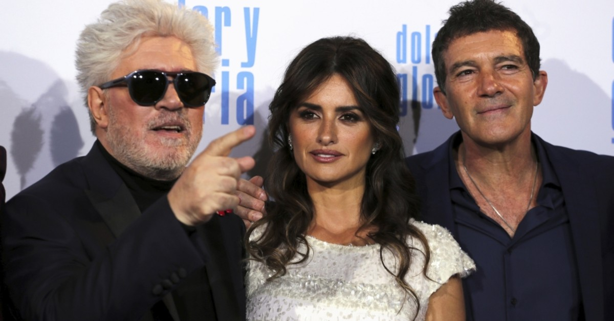 Director Pedro Almodovar and actors Penelope Cruz and Antonio Banderas pose during the premiere of their latest film ,Pain and Glory, in Madrid, Spain, March 13, 2019.