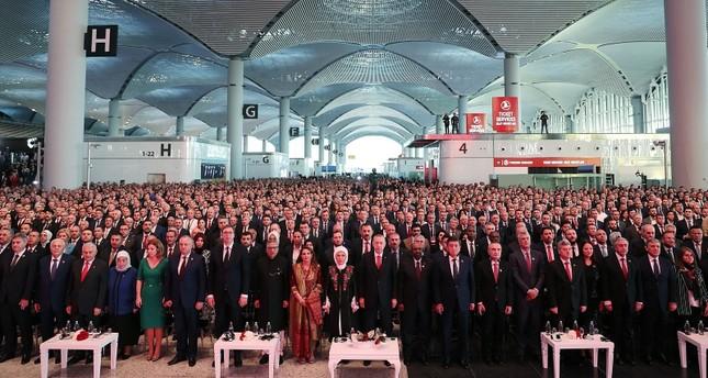 Neuer Istanbuler Flughafen Mit Großer Zeremonie Eröffnet