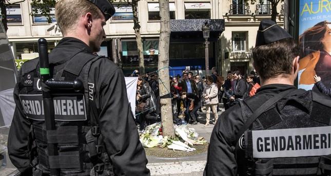 هجوم باريس استهدف الشرطة المكلفة بحراسة المكتب الثقافي التركي