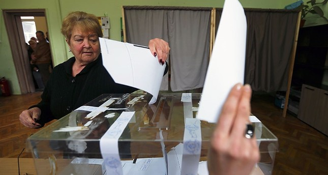 Bulgaria votes in tight parliamentary snap election