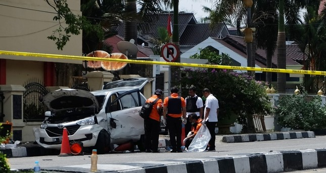 Four militants, one policemen killed in latest attack in Indonesia